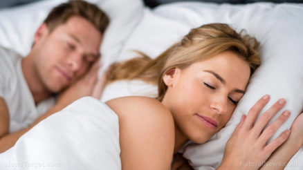 Young-Couple-Love-Sleep-Bed-Sheets-Pillows-Rest