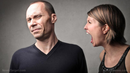 Woman-Yelling-At-Man-Screaming
